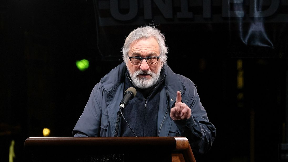 De Niro blaims the MMR jab for worseing the condition of his autistic son
