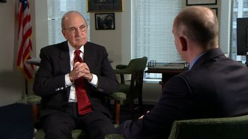 Senator George Mitchell speaking to Sky's Ireland Correspondent David Blevins