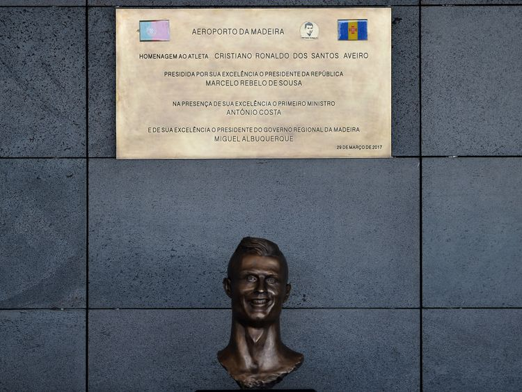 A bust of Cristiano Ronaldo has caused a storm on the internet