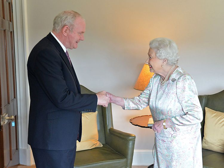 Martin McGuinness shakes hands with the Queen in 2016