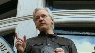 Julian Assange addresses media from embassy balcony