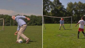 Jeremy Corbyn on the pitch in Hackney