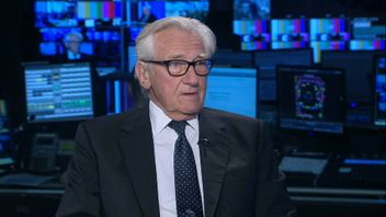 Lord Heseltine says Theresa May is powerless to sack Cabinet Brexiteers