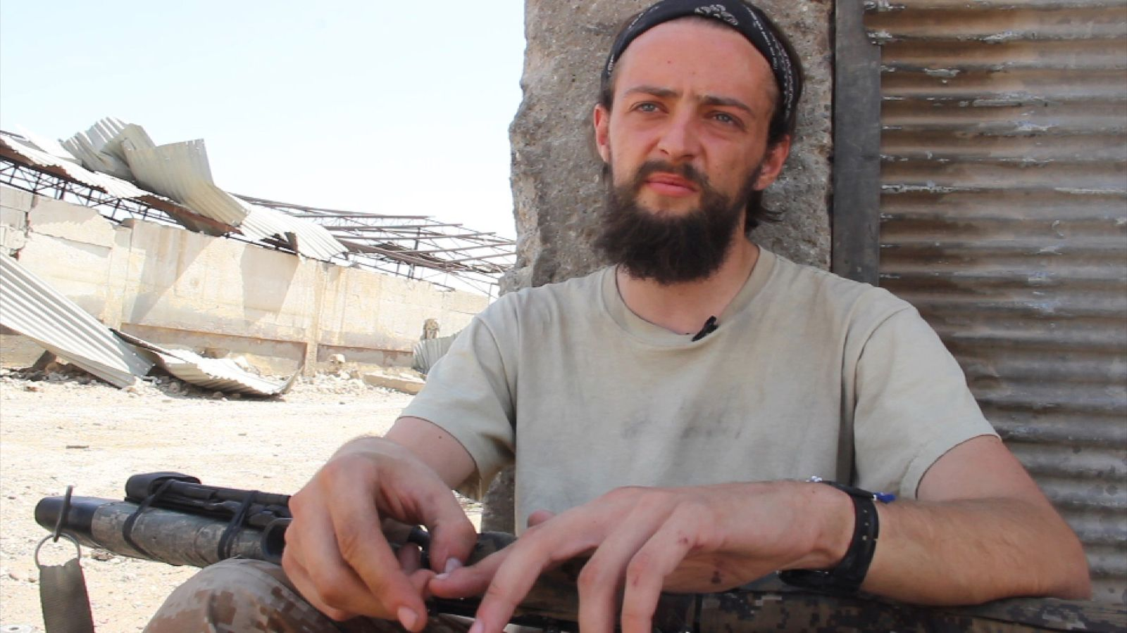Jack Holmes travelled to Syria to fight with the Kurdish YPG group