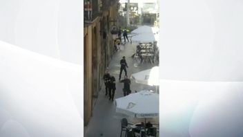 Police search streets of Barcelona following terrorist attack