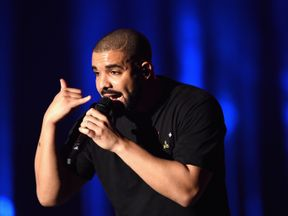 LAS VEGAS, NV - SEPTEMBER 23:  Recording artist Drake performs onstage at the 2016 iHeartRadio Music Festival at T-Mobile Arena on September 23, 2016 in La