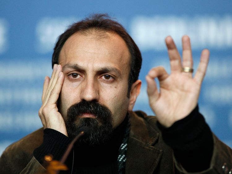 Iranian director Asghar Farhadi has said he will not attend the LA ceremony