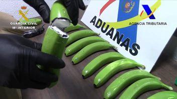 Spanish authorities intercept drugs hidden in fake bananas