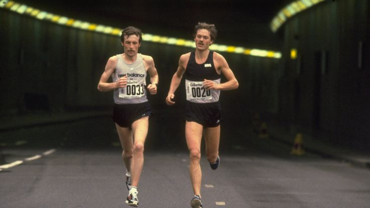 Dick Beardsley (left) and Inge Simonsen (right) lead the first London Marathon