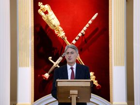 Philip Hammond delivers keynote speech to City leaders at Mansion House