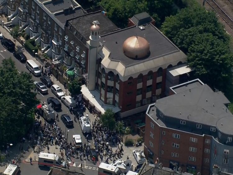 The scene during the PM's visit to a North London mosque