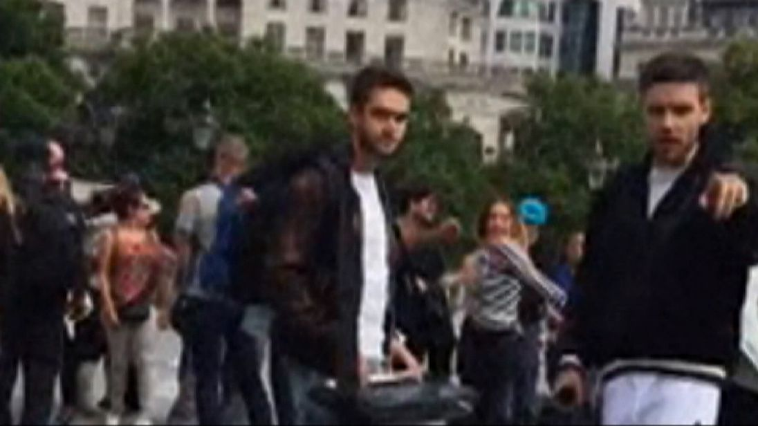 Liam Payne and DJ producer Zedd busk in London