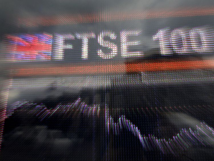 A large computerised display of the British FTSE 100 index is pictured in London, on September 8, 2008