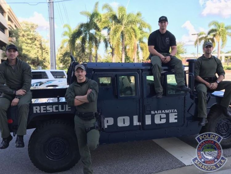 Sarasoita poice department picture of sexy cops responding to irma after sexy cops at Gainesville PD caused a stir on facebook