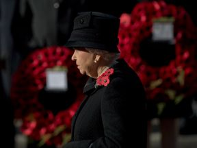 The Queen lays a wreath in November 2016