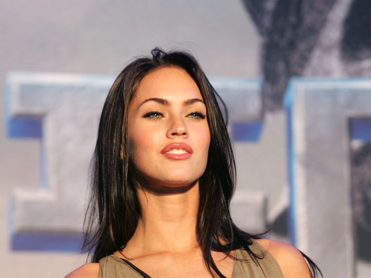 SEOUL, SOUTH KOREA - JUNE 11: Actress Megan Fox attend a photocall before a press conference to promote her new film 'Transformers' on June 11, 2007 in Seoul, South Korea. Korea is the first country to screen the new movie which will be released on June 28. (Photo by Chung Sung-Jun/Getty Images)