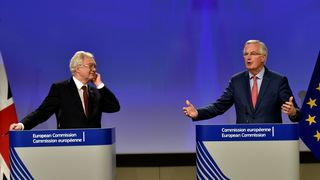 Britain's Secretary of State for Exiting the European Union David Davis and European Union's chief Brexit negotiator Michel Barnier address a joint news conference after the latest round of talks in Brussels, Belgium November 10, 2017. REUTERS/Eric Vidal