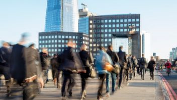 A record  number of EU nationals are working in the UK