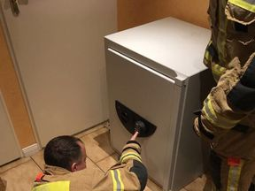 Firemen worked to free the boy for three hours, while pumping oxygen into the safe. Pic. @Berliner_Fw