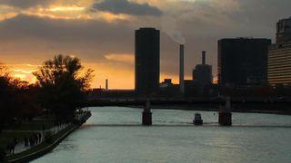 Frankfurt hopes to take advantage of Brexit uncertainty