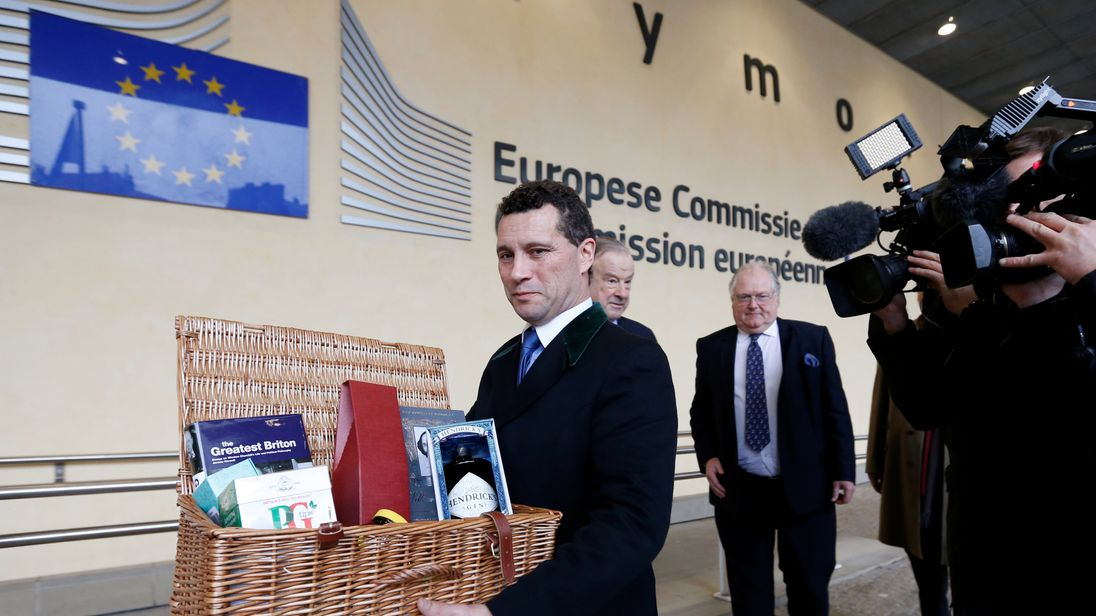 DATE IMPORTED:10 January, 2018Member of the European Parliament (MEP) Steven Woolfe holds an hamper with British products as he arrives for a meeting with European Union's chief Brexit negotiator Michel Barnier (unseen) at the EU Commission headquarters in Brussels, Belgium, January 10, 2018. REUTERS/Francois Lenoir