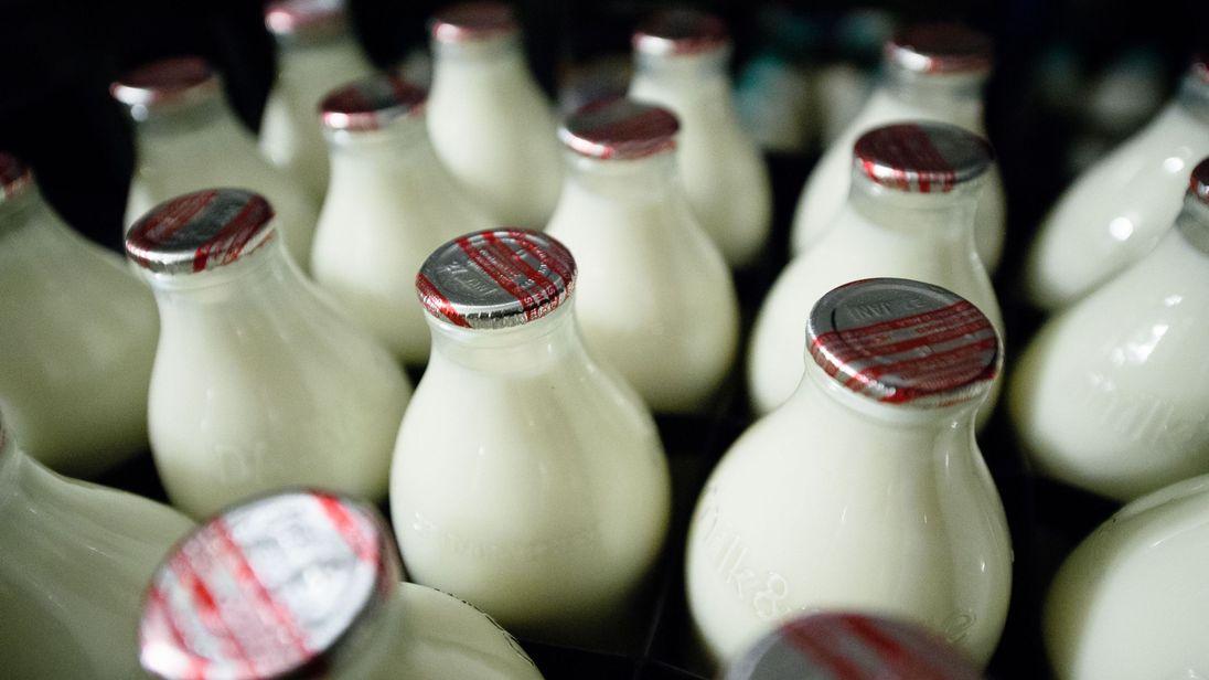 In 1975, 94% of milk came in glass bottles