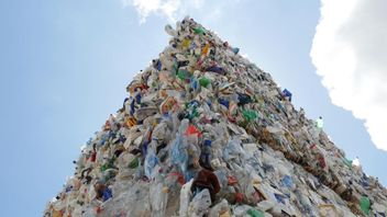 Plastic sent to Hong Kong from UK