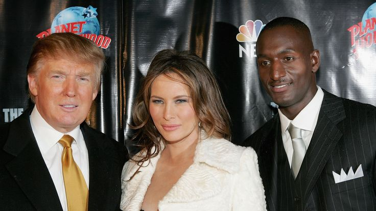 """Donald and Melania Trump pose with Randal Pinkett, the winner of """"The Apprentice"""" in the 2005 season"""