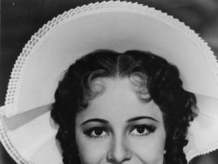 British born actress, Olivia de Havilland in 1944