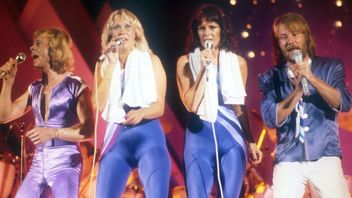 ABBA makes new music for first time in 35 years.