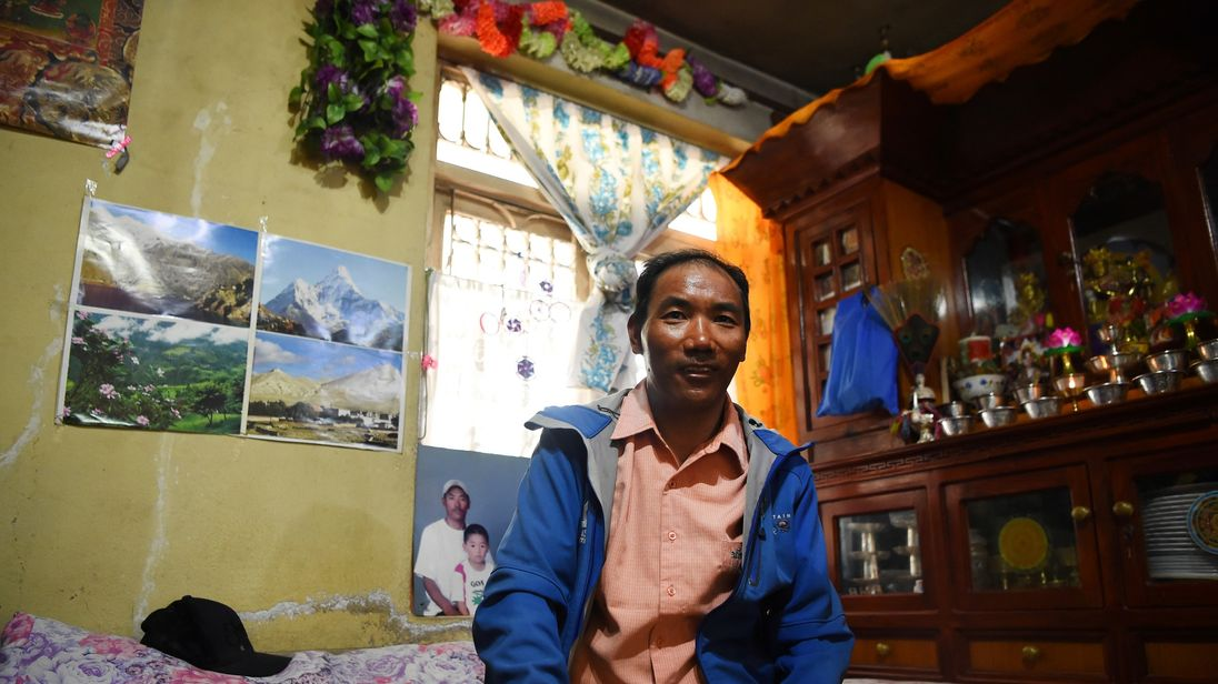 Kami Rita Sherpa has become the first person to reach the summit Mount Everest 22 times