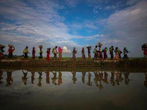 Rohingya refugees flee Myanmar