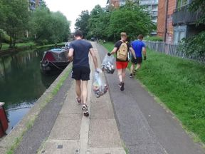 'Ploggers' go jogging and pick up rubbish as they go