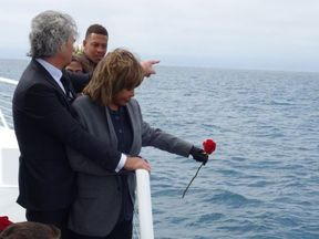 Turner scatters her son Craig's ashes off the coast of California