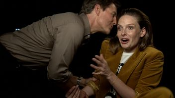 Tom Cruise makes a surprise appearance during our Rebecca Ferguson interview