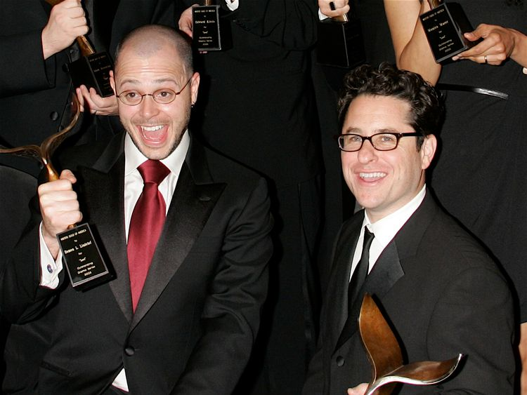 HOLLYWOOD - FEBRUARY 04: (L-R) Show co-creators and writers Damon Lindelof and J.J. Abrams pose in the press room with their Television Dramatic Series award for 'Lost' during the 2006 Writers Guild Awards held at the Hollywood Palladium on February 4, 2006 in Hollywood, California. (Photo by David Livingston/Getty Images)