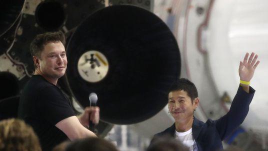 Elon Musk introduces Yusaku Maezawa as his first SpaceX space tourist