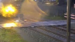 Cyclist has a near miss on an unguarded level crossing in the Netherlands