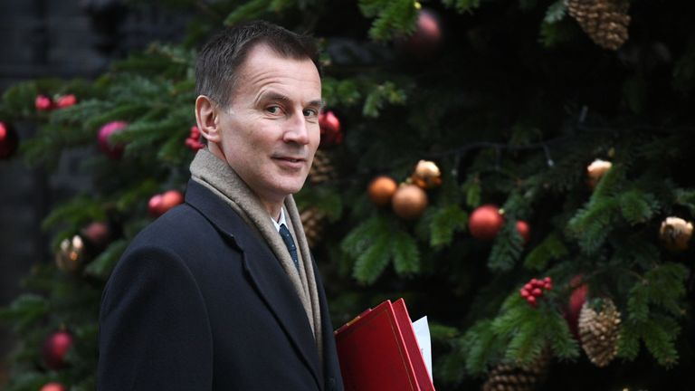 Jeremy Hunt says he wants a 'crack' at succeeding Theresa May